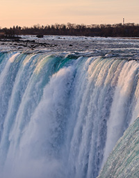 Niagara_Falls_Tourism_891401455