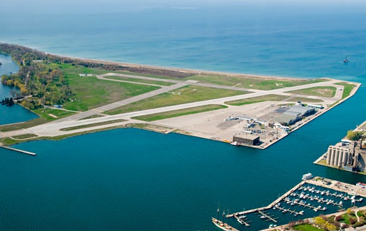 Toronto island airport looking south