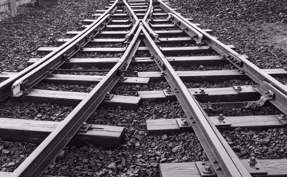 train tracks merge