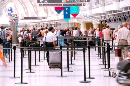 airport lineup - depositphotos