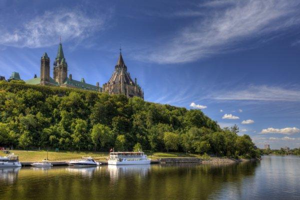 Canadian Parliament - river - depositphotos