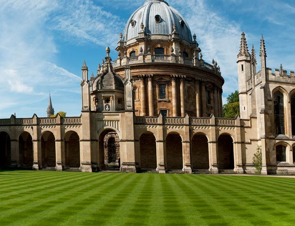 Oxford Suspends Huawei Research Funding