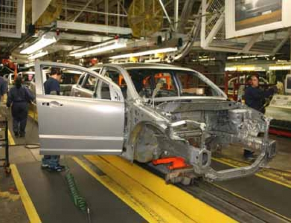 Ford, GM Brace for Downturn