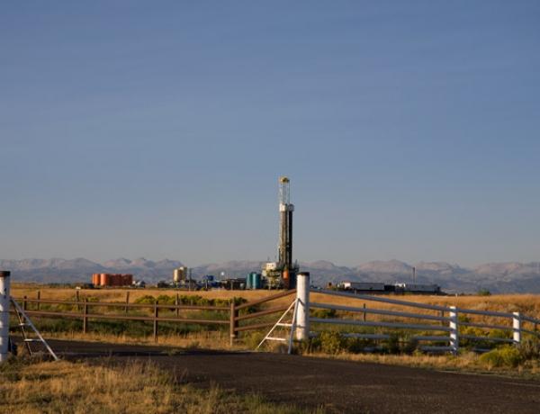 Oil Output: OPEC Cuts — U.S. Increases