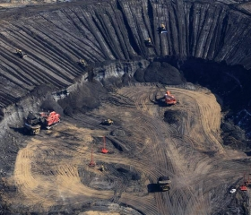 Canadians Divided on Oilsands