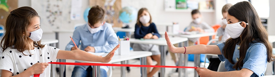 Learning from Summer Camps: Keeping School kids safe from COVID-19 Outbreaks